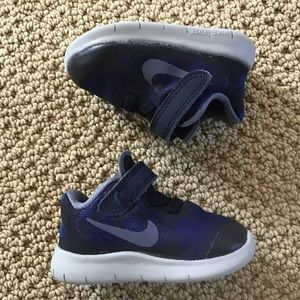 Toddler's Nike Shoes Size 3C